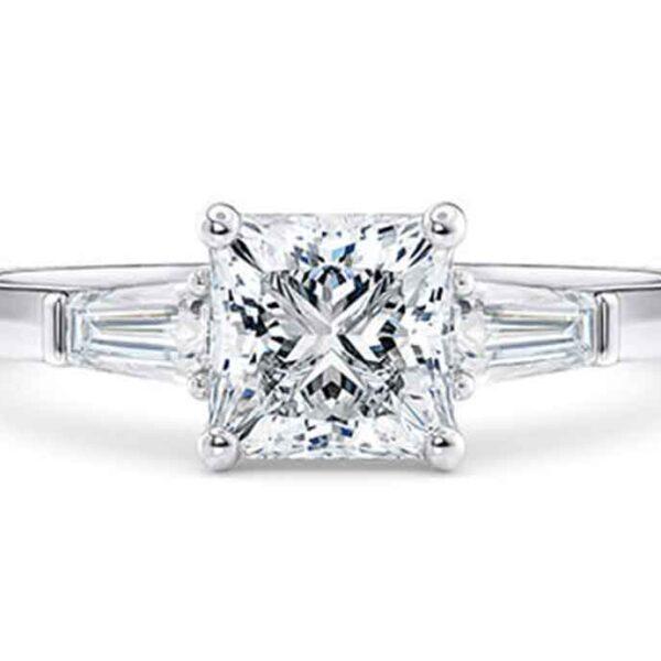 Μονόπετρο κόσμημα με διαμάντι