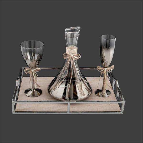 δίσκος μοντέρνος με μέταλλο καθρέπτη ποτήρι και καραφα