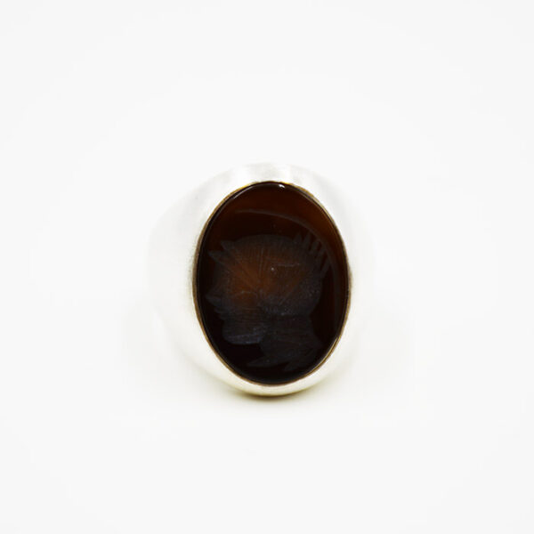 Ασημένιο δαχτυλίδι σε ιδιαίτερη γραμμή