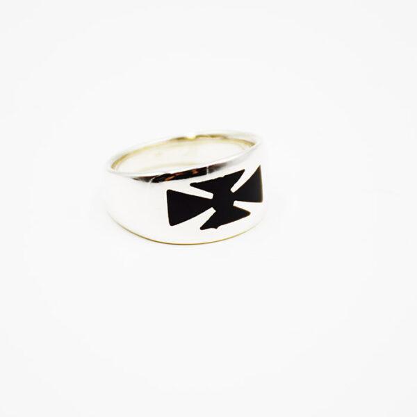Ασημένια δαχτυλίδια σε νέα σχέδια