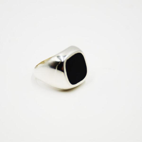 Ασημένια κοσμήματα δαχτυλίδια