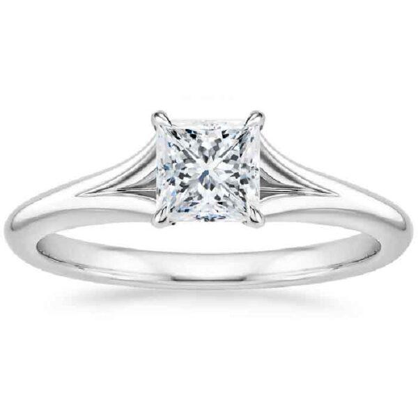 Δαχτυλίδι μονόπετρο princess cut