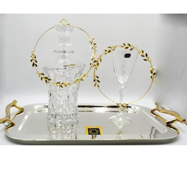 Καράφα γάμου με δίσκο ποτήρι και στέφανα