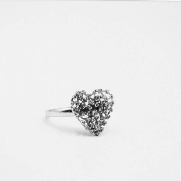Δαχτυλίδι μοντέρνο με καρδιά για δώρο