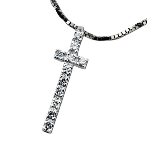 σταυρός με διαμάντια σε λευκόχρυσο