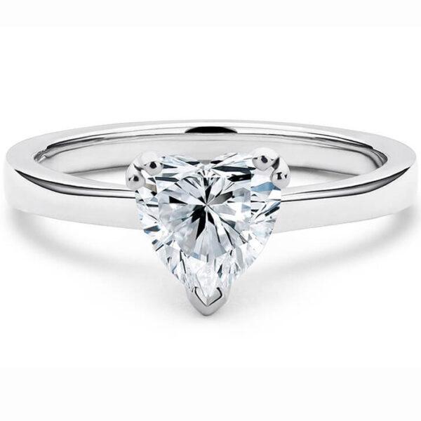 μονόπετρο δαχτυλίδι από λευκόχρυσο για μια παραμυθένια πρόταση γάμου