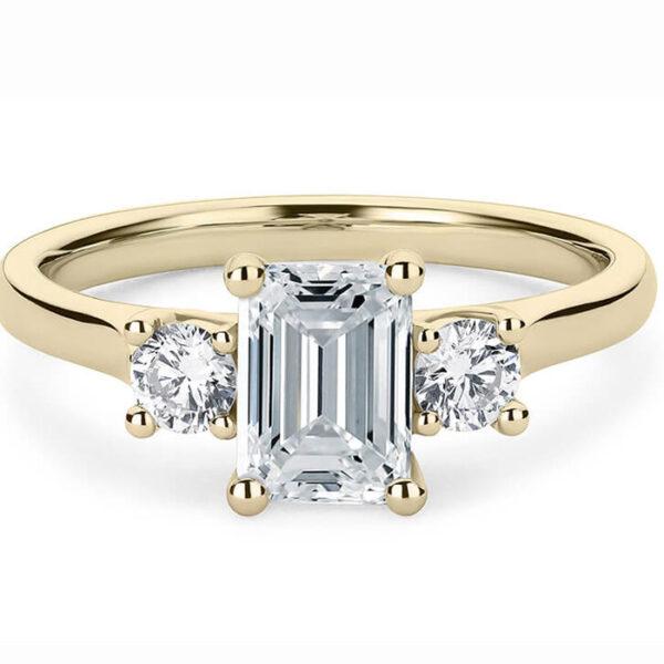 μονόπετρο δαχτυλίδι σε κίτρινο χρυσό