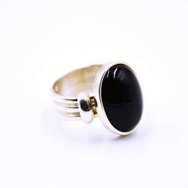 ανδρικό δαχτυλίδι με πέτρα όνυχα