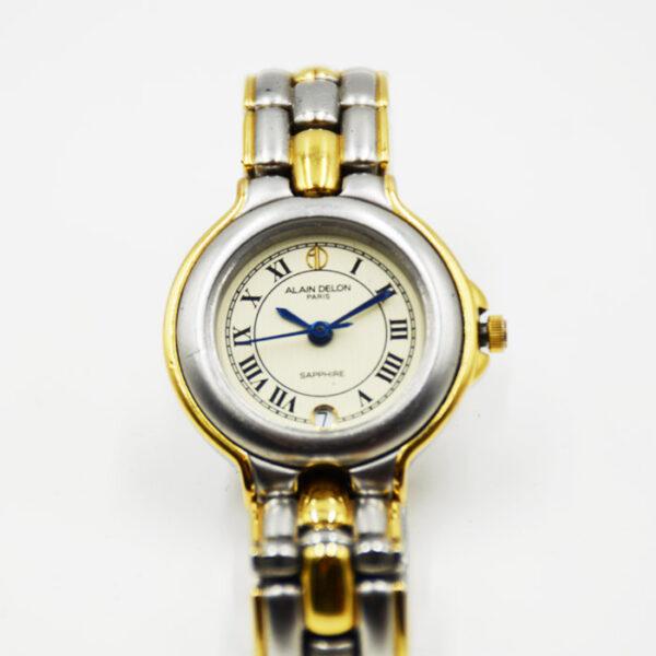 γυναικείο ρολόι σε κλασικό σχέδιο
