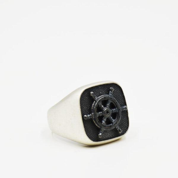 ανδρικό δαχτυλίδι από ασήμι με ναυτικό τιμόνι