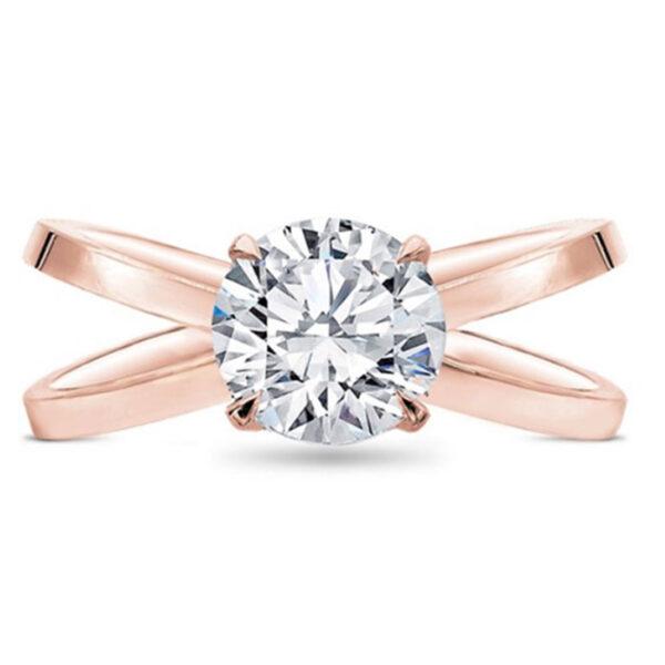 Ρομαντικό μονόπετρο δαχτυλίδι με στρογγυλό διαμάντι
