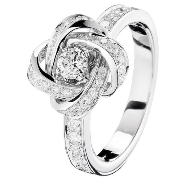 Πρωτότυπα δαχτυλίδια αρραβώνων με διαμάντια
