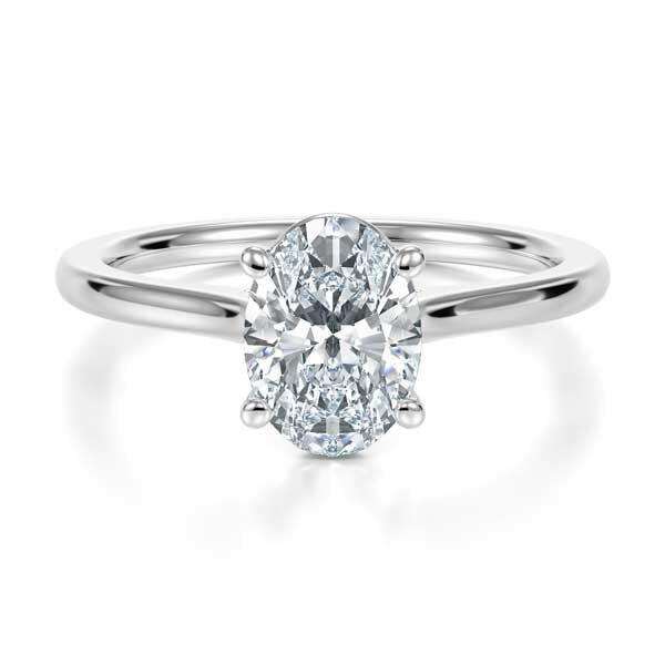 Πρωτότυπα δαχτυλίδια αρραβώνων με οβάλ διαμάντι