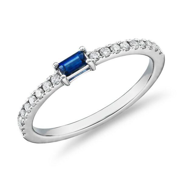Λευκόχρυσο δαχτυλίδι με ζαφείρι και διαμάντια